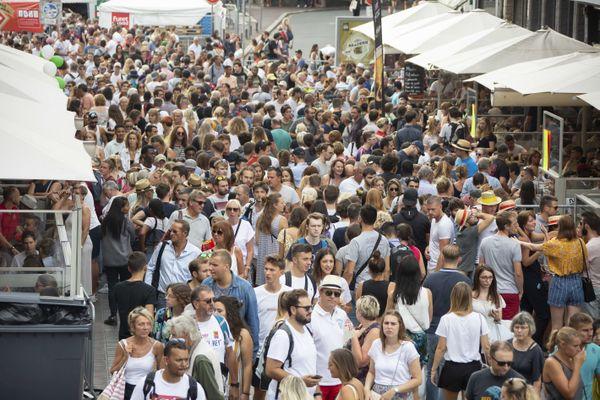 La braderie de Lille attire environ 1,5 millions de personnes chaque premier week-end de septembre.