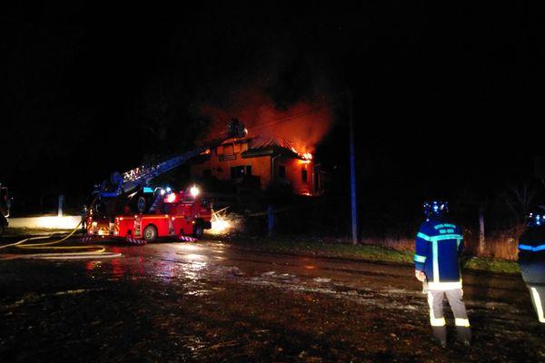 Le restaurant des Cascades de Stosswihr fait partie du paysage depuis presque 40 ans : 40 années parties en fumée en l'espace de quelques heures.