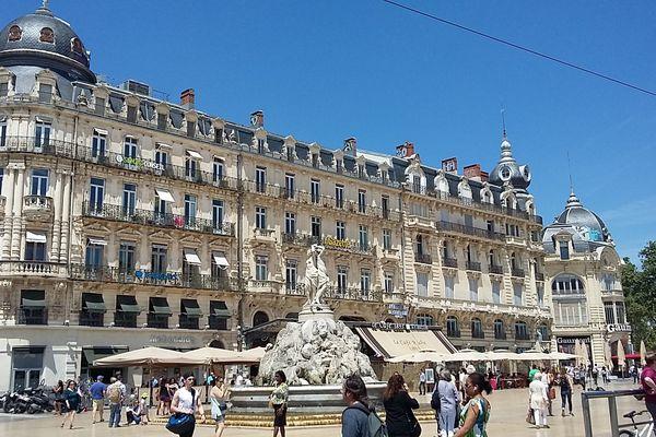 L'un des immeubles d'architecture haussmannienne place de la Comédie à Montpellier