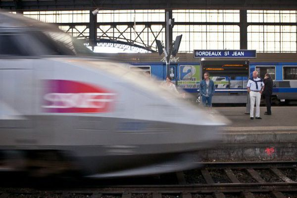 Un TGV arrivant en gare de Bordeaux Saint-Jean. (Photo d'illustration)