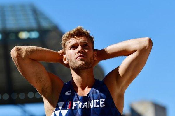 La déception de Kevin Mayer après son échec au saut en longueur, à Berlin le 7 août 2018.