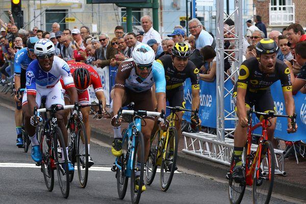 Grand Prix de la Somme 2017. L'arrivée : Lorenzo Manzin (FDJ) 3ème - Rudy Barbier (AG2R) 2ème et Adrien Petit (Direct Energie) 1er