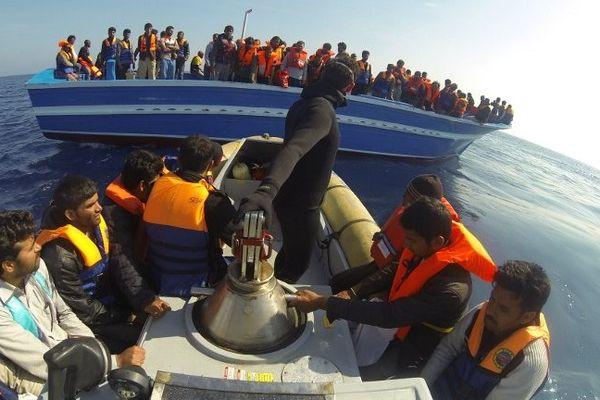 Intervention de la marine italienne le 10 avril 2014