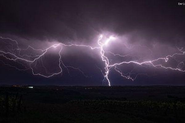 L'orage près de Blaye samedi 9 mai 2020.