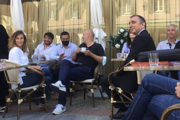 Jean-Christophe Angelini et ses colistiers et sympathisants sont allés à la rencontre des Ajacciens ce lundi 7 juin.