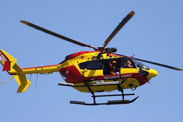 Un Dragon, hélicoptère de la sécurité civile - illustration