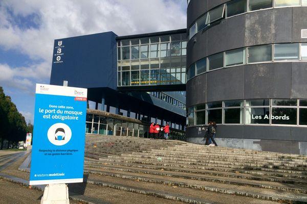 Le port du masque sera aussi obligatoire aux abords des sites universitaires à Brest à compter de ce samedi, 8 h