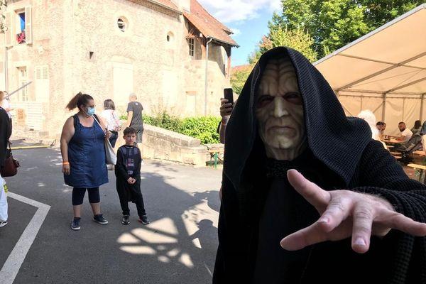 En balade à Cusset dans l'Allier, les 11 et 12 septembre vous pouvez croiser le numéro un des méchants de la saga Star Wars : Dark Sidious le seigneur noir des Sith