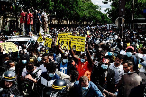 Le 20 juin, à Paris, lors du deuxième acte de la manifestation des sans-papiers.
