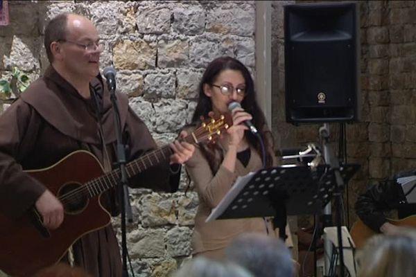 Messe, repas, et chansons : le programme de la veillée de Noël à la Chapelle des Buis