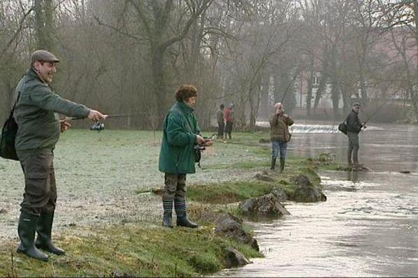En Bourgogne, comme partout en France, les pêcheurs sont nombreux au bord des ruisseaux et des rivières.
