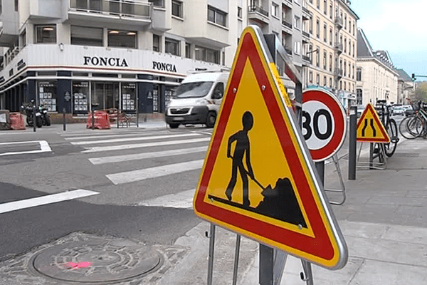 La rue Lesdiguières, dans le centre-ville de Grenoble, ce mardi 18 avril 2017.