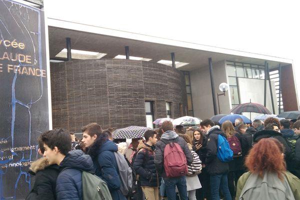 Manifestation le 29 janvier 2018 des élèves du lycée claude de France à Romorantin-Lanthenay