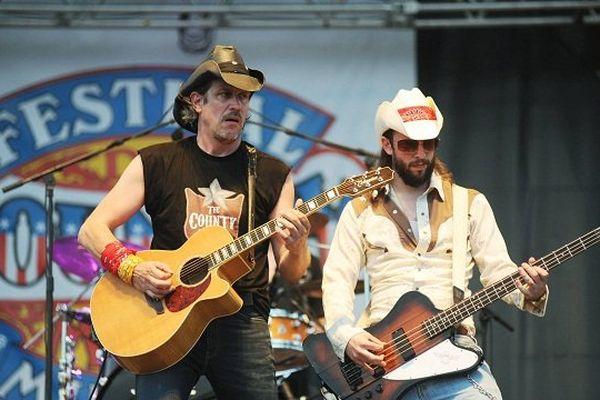 Le groupe Modern Earl, sur la scène du festival, en 2011.