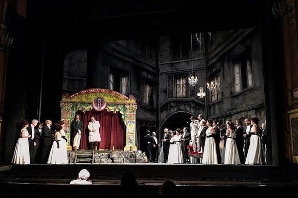Les chanteurs sur la scène de l'Opéra-Théâtre de Metz Métropole