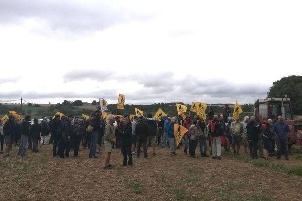 En août 2018, des agriculteurs de la France entière avaient mené une action secrète à Clion (Indre) pour protester contre le rachat de terres par des investisseurs chinois.