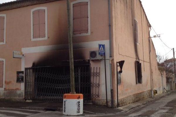 """Le bar """"Nhor"""" à Nîmes détruit par un incendie le 14/01/15."""