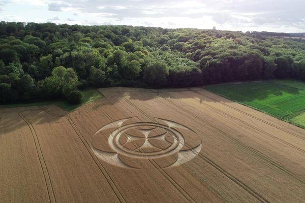 Le crop circle dans un champ de Vimy