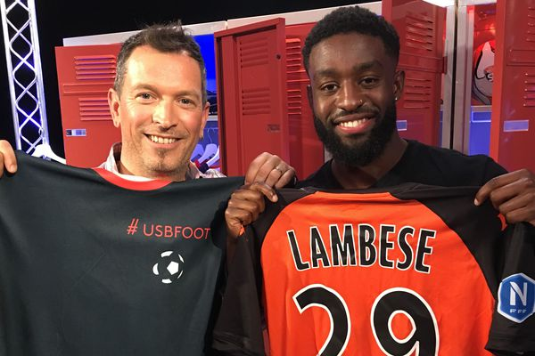 Stéphane Lambèse, joueur du Stade Lavallois au côté d'Anthony Brulez sur le plateau d'#USBFOOT