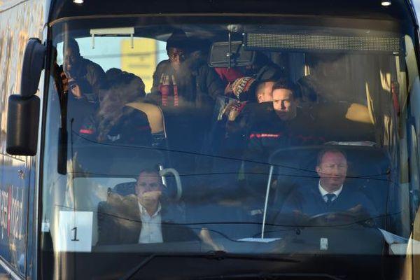 """Un car de mineurs isolés quitte l'ex-""""jungle"""" de Calais pour Carcassonne, dans l'Aude, et Bolquère, dans les Pyrénées-Orientales - 2 novembre 2016"""