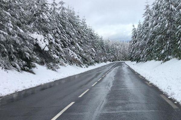 Jusqu'à 10 centimètres de poudreuse sont tombés en Haut de Corrèze, dimanche 6 décembre.