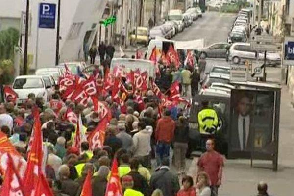 Près de 700  personnes ont pris part au cortège à Châteauroux (Indre). Huit manifestations devaient avoir lieu dans le Berry mardi.