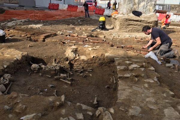 Des ossements humains découverts sous la Place Fournier à Limoges
