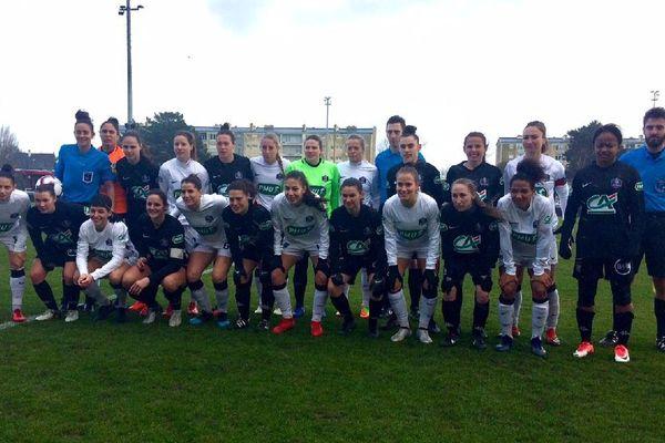 L'équipe des filles de l'US Saint-Malo, avant le début de la rencontre