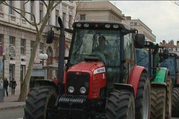 Manifestation d'agriculteurs vendredi matin, place Bellecour (Lyon)