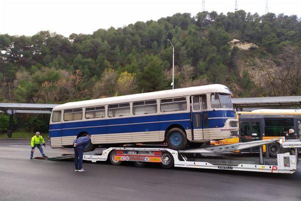 Le car récupéré par l'association des tramophiles.