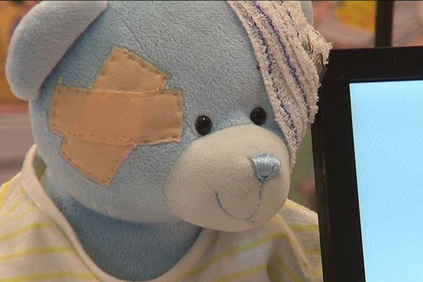 L'ours Bilou le casse cou a été crée il y a quelques années pour prévenir les jeunes enfants des accidents domestiques - 15 octobre 2017