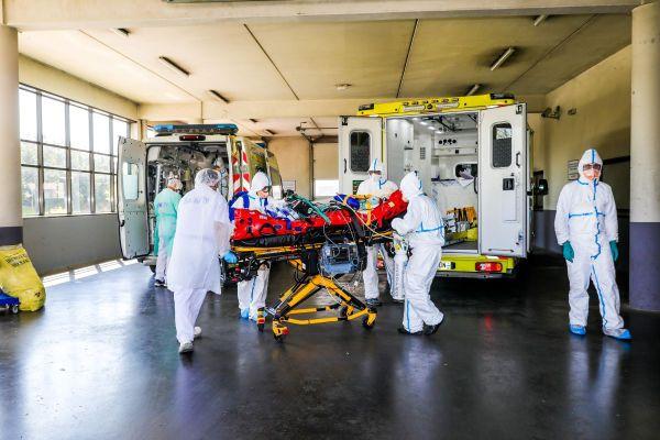 Ces 3 dernières semaines, le nombre de passages aux urgences pour suspicion de Covid a augmenté de 88% en Île-de-France