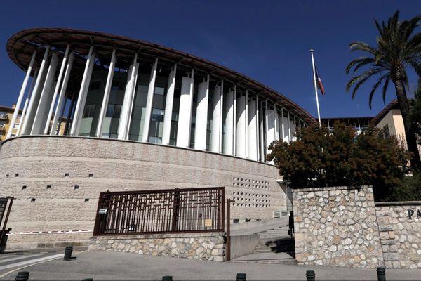 Le jugement a été mis en délibéré au 11 décembre.