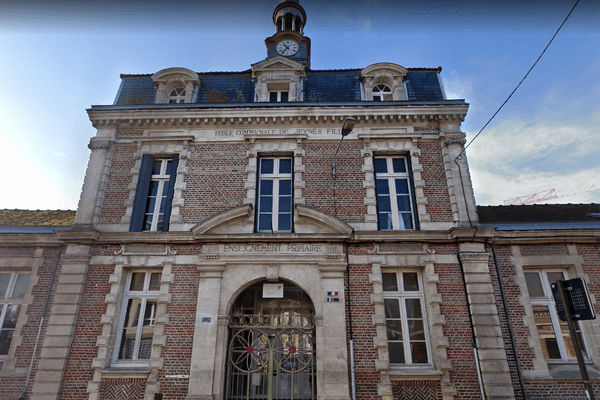 C'est un animateur de cette école du faubourg de Hem au nord-ouest d'Amiens qui est suspecté d'agression sexuelle sur une fillette de 10 ans.