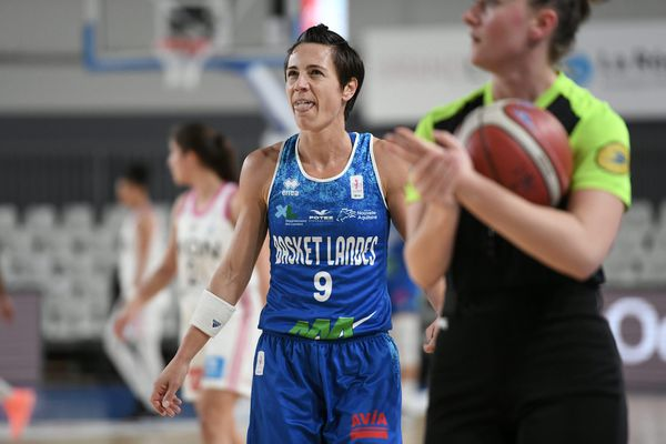 Lyon 26 février -Céline Dumerc. Lyon Asvel Féminin - Basket landes. Basket Landes l'emporte sur le score de 71 à 70.