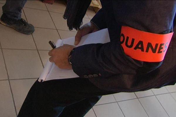 Opération de contrôle par les Douanes.