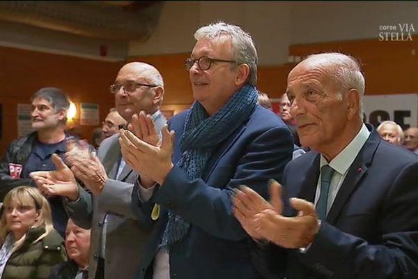 09/11/2017 - Pierre Laurent (C), secrétaire national du PCF aux côtés de Dominique Buchini (D), ancien président de l'assemblée de Corse
