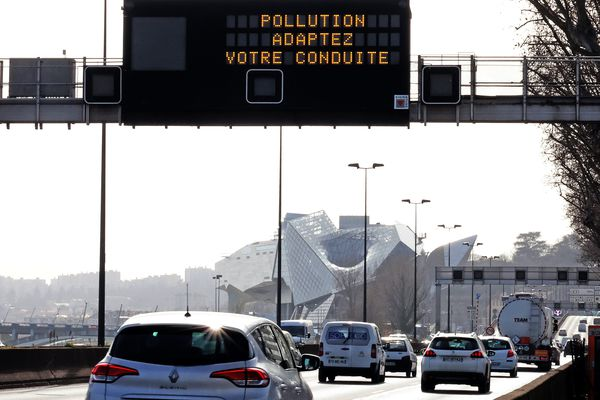 Alerte pollution à Lyon, application de mesures de restrictions.
