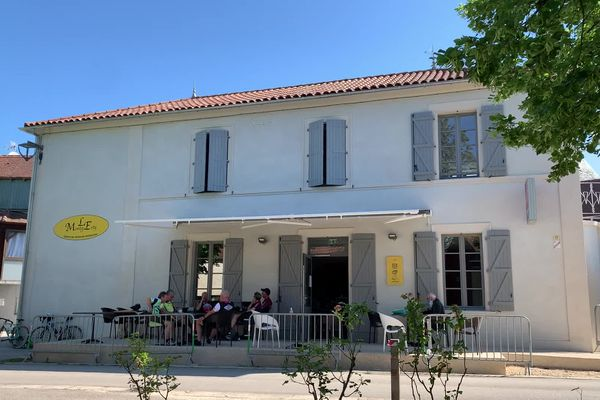 Montgesty - 30 mai 2021. Grâce à l'association 1000 cafés, la commune lotoise de Montgesty voit un nouvel établissement ouvrir ses portes.