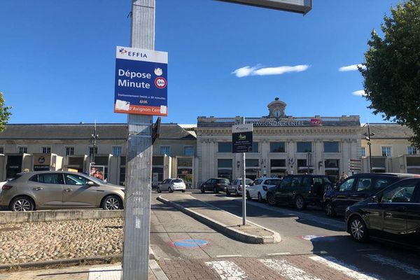 Le coup de couteau a eu lieu au niveau du dépose minute de la gare d'Avignon.