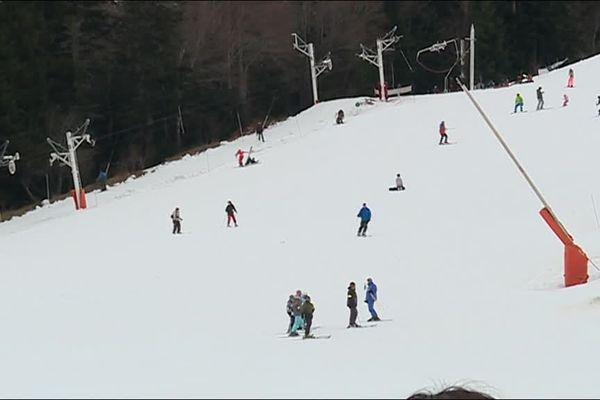Ultime week-end de ski pour les vacanciers de la zone C à Ax-3-Domaines (Ariège)