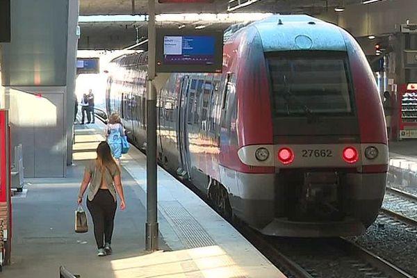 Montpellier - un TER Occitanie en gare Saint-Roch - 2018.