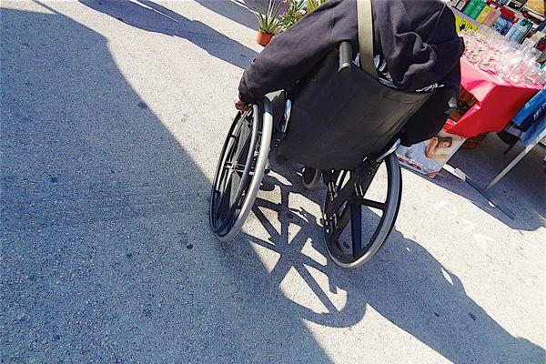L'homme en fauteuil roulant a été percuté par une voiture boulevard Jean-Jacques Bosc à Bordeaux.