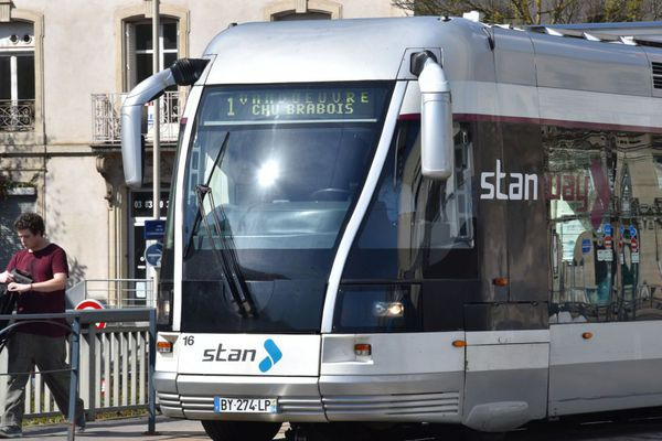 """""""Le le tram actuel s'arrête en 2022"""" explique Patrick Hatzig, vice-Président à la Mobilités à la Métropole du Grand Nancy, """"si nous décidions aujourd'hui la construction d'un tram, il ne serait pas construit avant 2026. Que ferons-nous en attendant ?"""""""