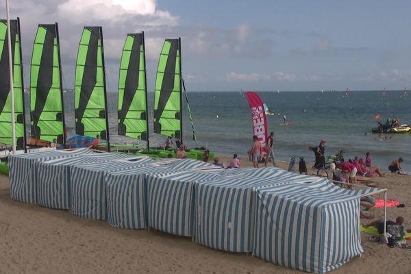 Depuis 2017, le groupe Veolia est devenu le gestionnaire de plage de La baule