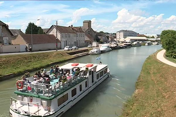 Le port Saint-Roch de Montargis