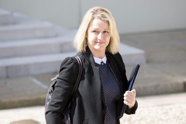Barbara Pompili après un Conseil des ministres, avril 2016.