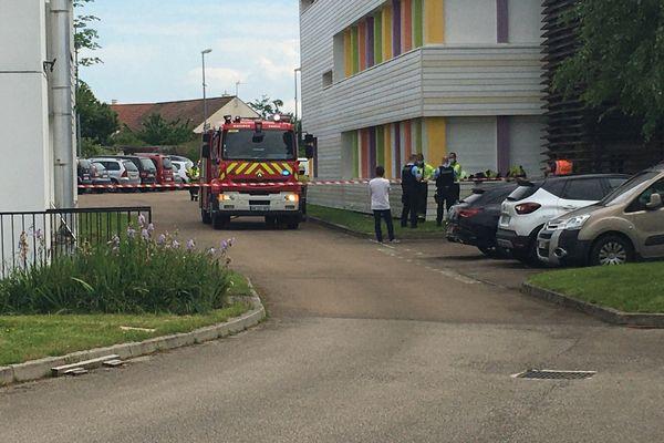 Un camion-pompe des pompiers a été envoyé sur place