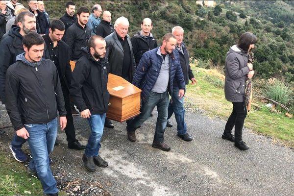 Les obsèques de l'abbé Mondoloni ont été célébrées lundi 5 novembre 2018 à Morosaglia (Haute-Corse)