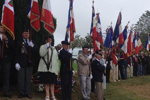 La cérémonie s'est déroulée ce matin en présence de 200 personnes parmi lesquelles la fille du Colonel Guingoin.